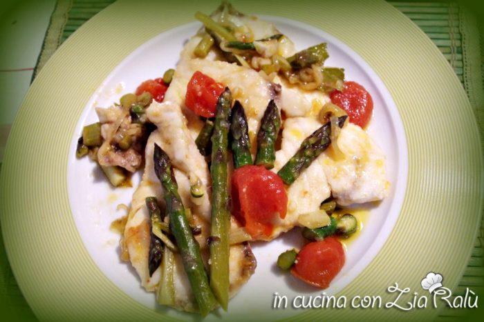 cernia con asparagi e pomodorini