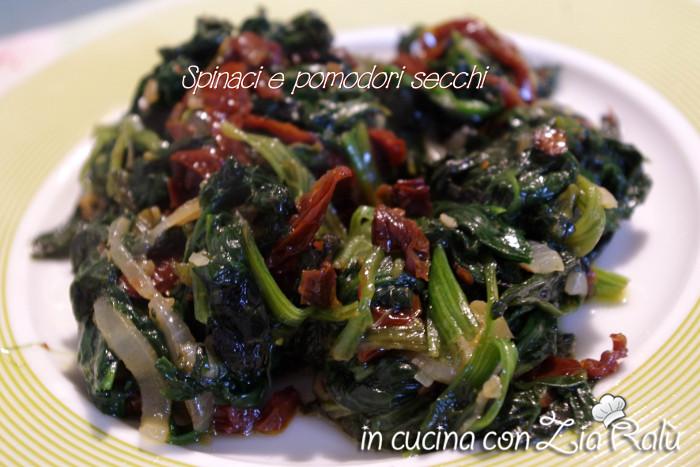 spinaci e pomodori secchi spadellati