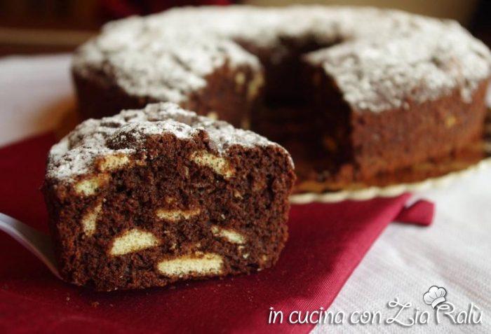 ciambella al cioccolato con pavesini