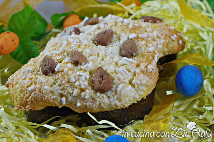 Colomba di pasqua pistacchi cedro glassa al cocco