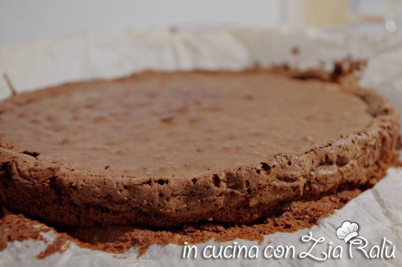 Base dolce cioccolato e amaretti senza glutine