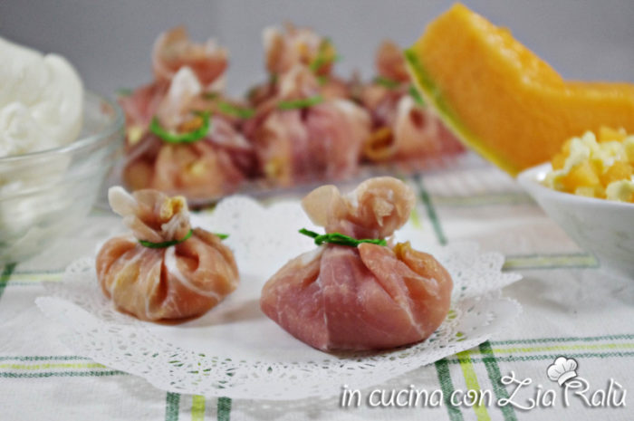Fagottini prosciutto melone e mozzarella