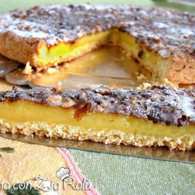 crostata e crema alle albicocche sciroppate