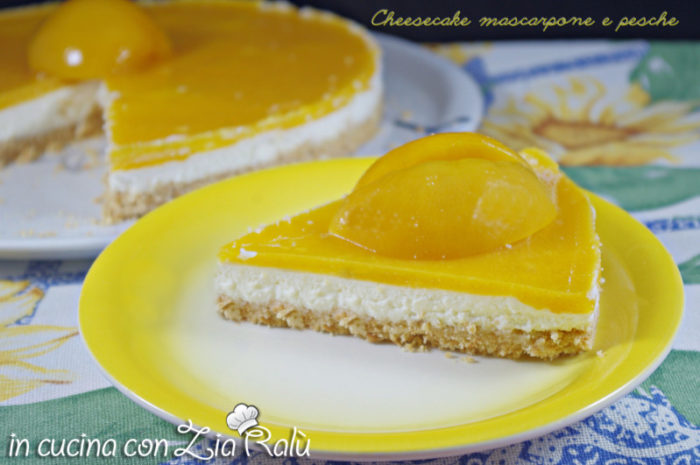 cheesecake mascarpone e gelatina alle pesche