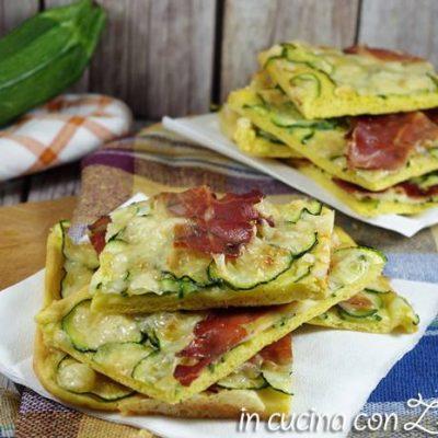 pizza allo zafferano con zucchine e speck