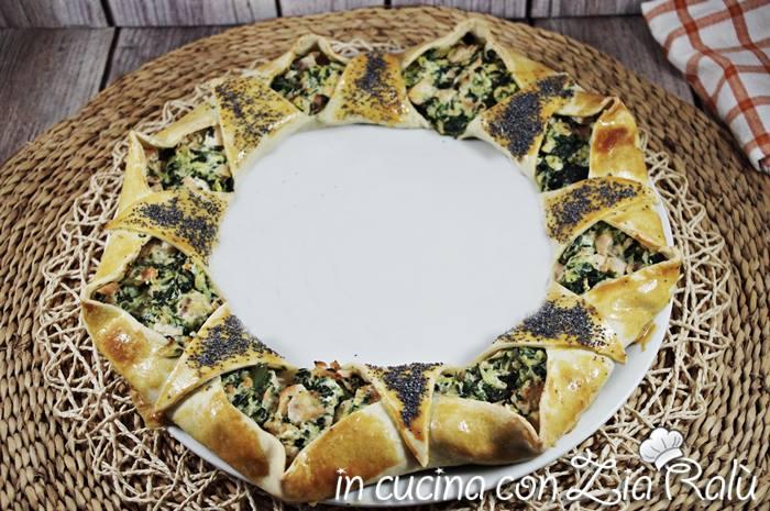 Corona di pasta matta salmone zucchine e spinaci
