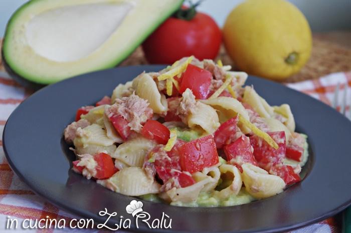 pasta avocado tonno pomodoro