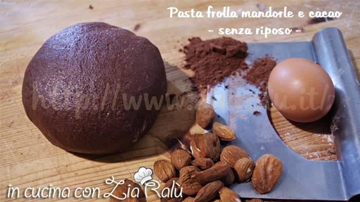 Pasta frolla alle mandorle e cacao – senza riposo