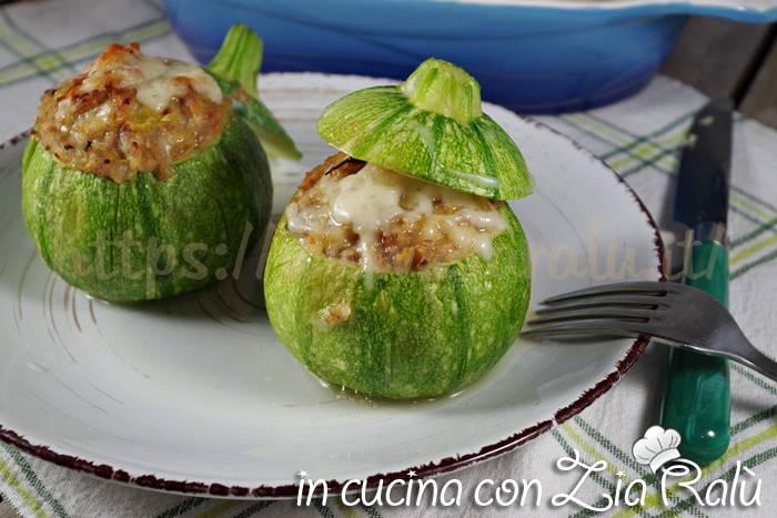 Zucchine tonde ripiene di carne