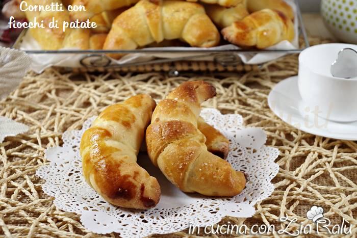 cornetti con fiocchi di patate