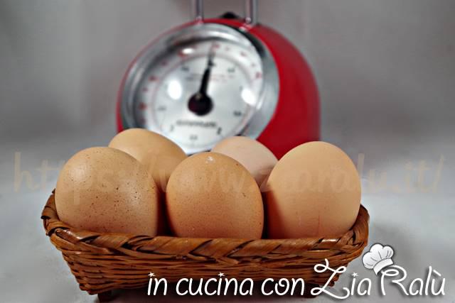 quanto pesa un uovo
