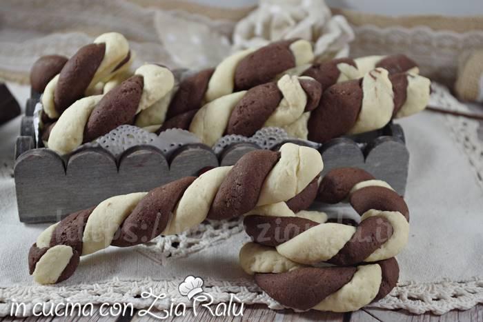 biscotti di pasta frolla bicolori