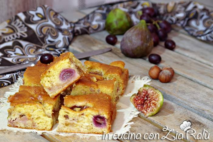 Torta fichi uva e nocciole – senza burro