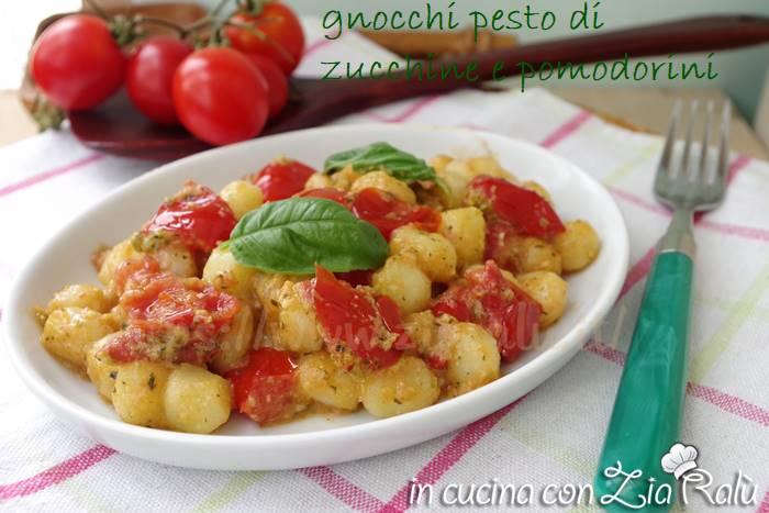 Gnocchi al pesto di zucchine e pomodorini