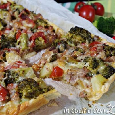 torta salata broccoli salsiccia e pomodori