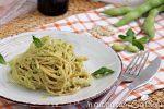 spaghetti con pesto di fave e pecorino