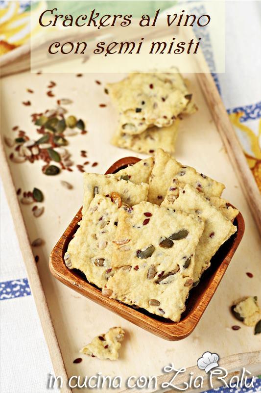 Crackers con semi misti con vino e olio evo