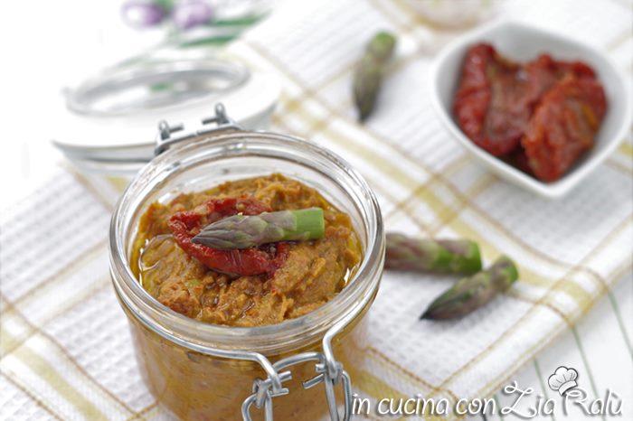 Crema di asparagi e pomodori secchi sott'olio