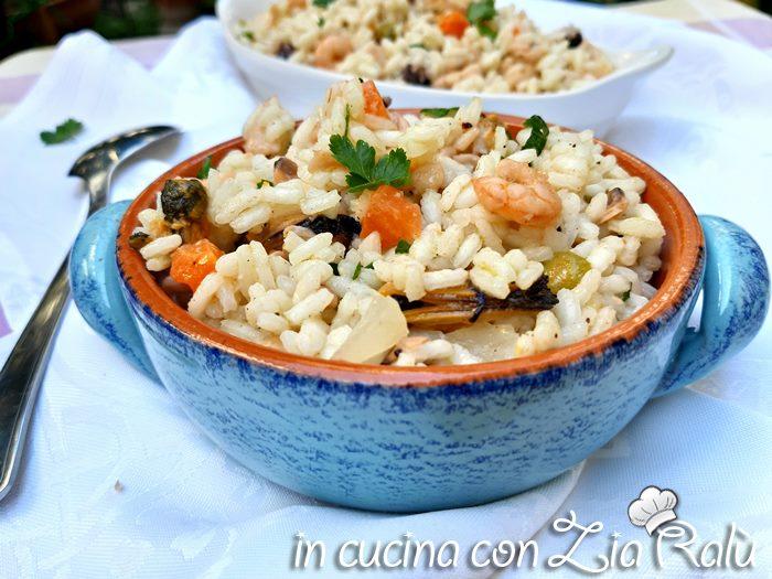 Insalata di riso di mare fredda