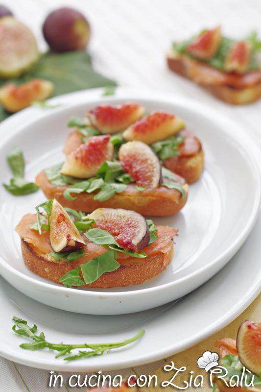 tartine al salmone fichi e zenzero