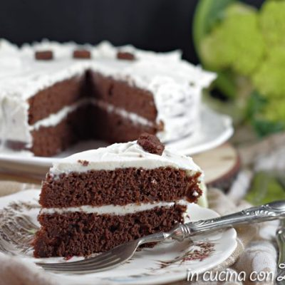 Torta dolce cioccolato e cavolfiore con crema al mascarpone