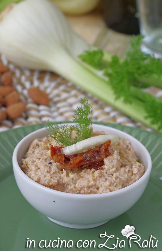 Pesto di finocchi e pomodori secchi