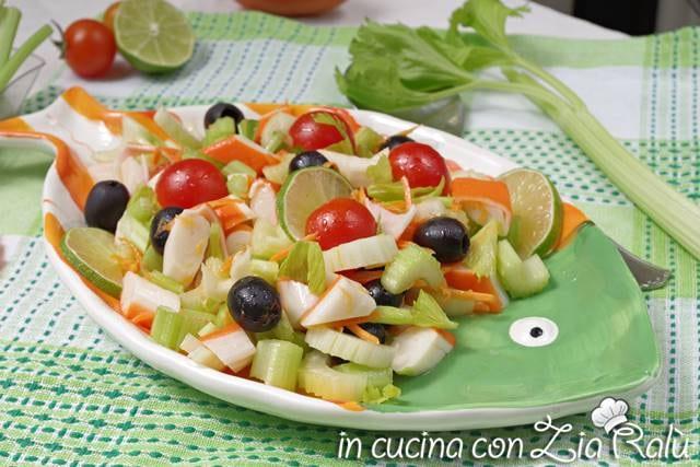 Insalata di surimi e verdure