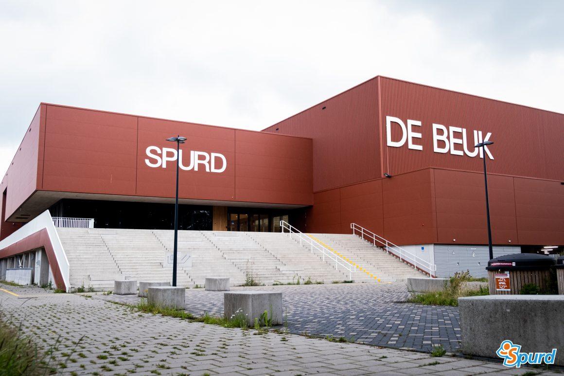Vijftienhonderd zonnepanelen op sportaccommodatie De Beuk