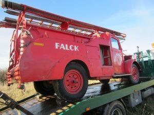 2012-11-06 Sprøjten køres frem på Nyvang for at blive fragtet til Gelsted