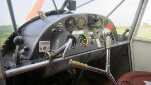 2016-06-25: OY-DYZ ankommer til Nyvang - cockpit