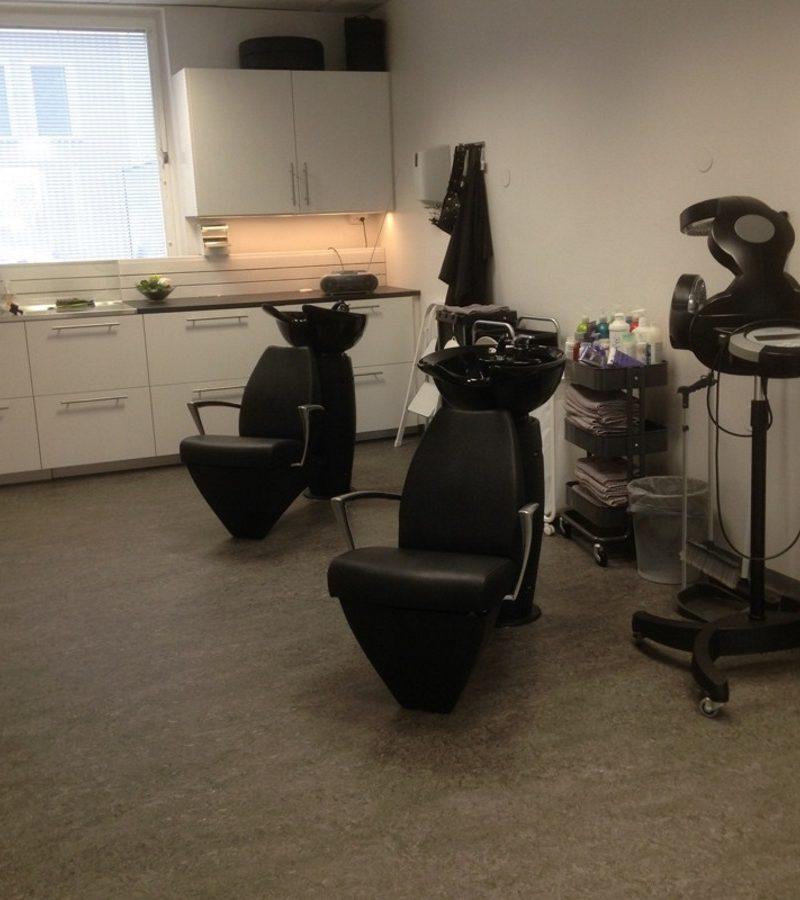 Tvättstolar inne hos frisörsalong Irenés Salong