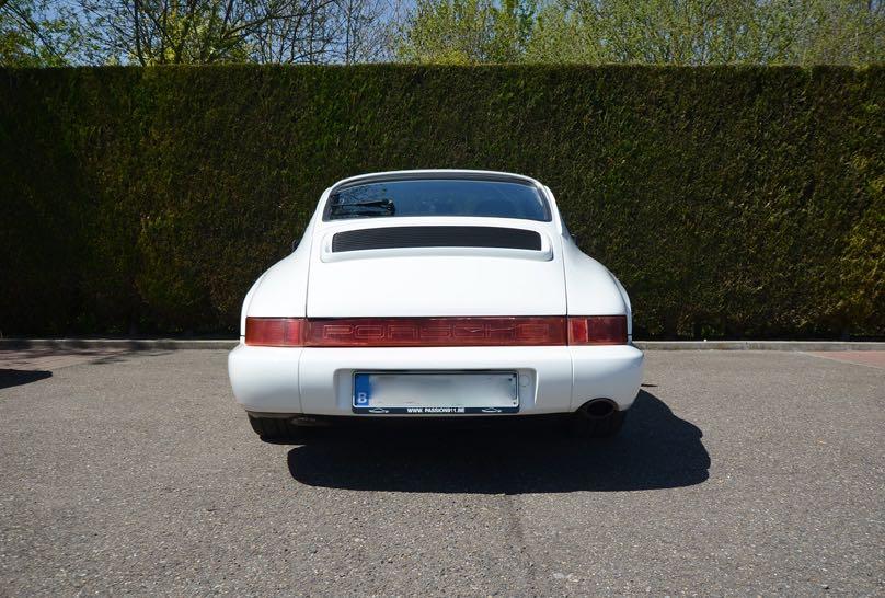 911 youngtimer Porsche 964 Carrera 4 Grand Prix white - multicolor cloth - 1990 - 9