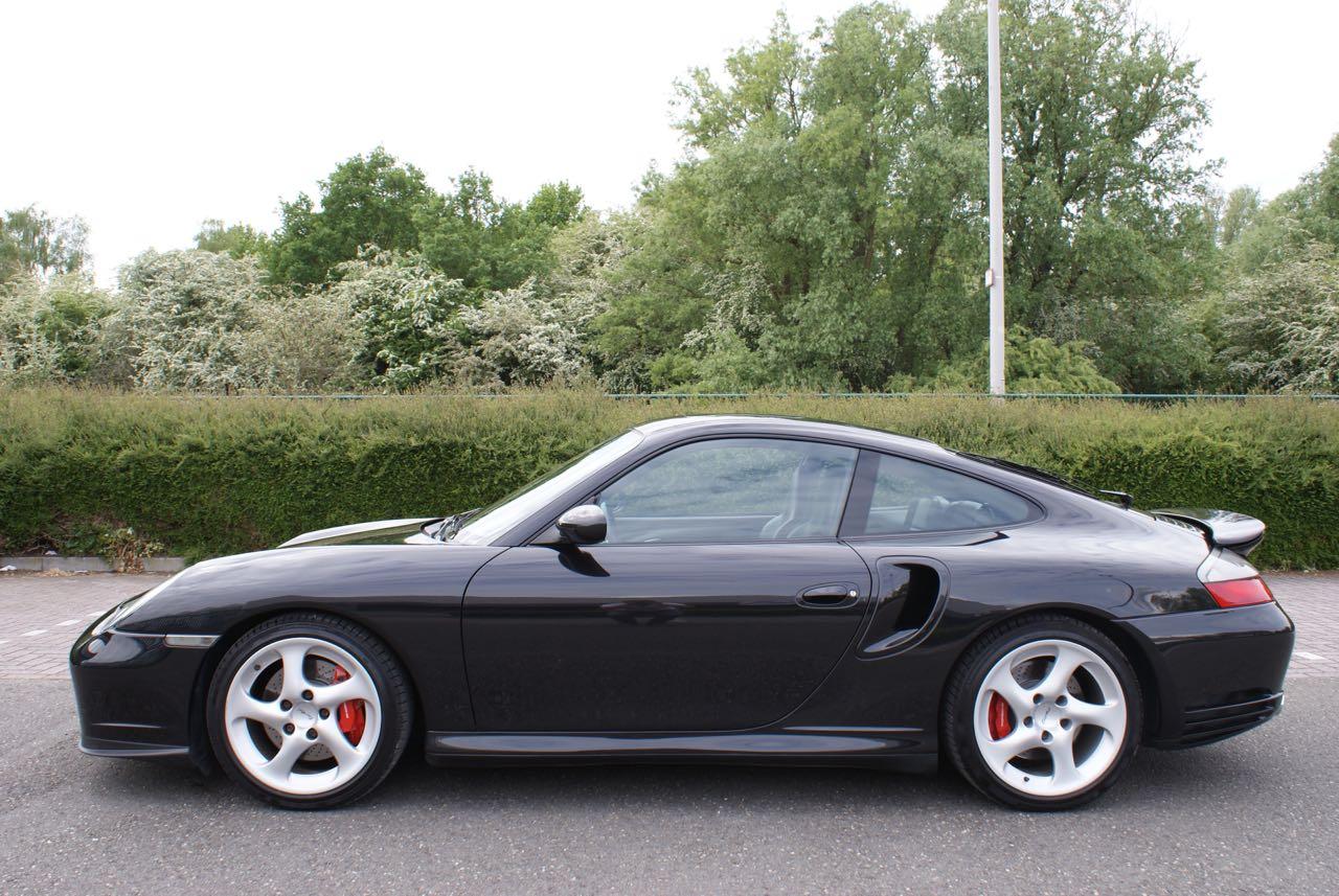 http://911youngtimer.be/wp-content/uploads/2016/05/911-youngtimer-Porsche-996-turbo-WLS-X50-Basalt-black-black-natural-leather-1-van-15.jpg