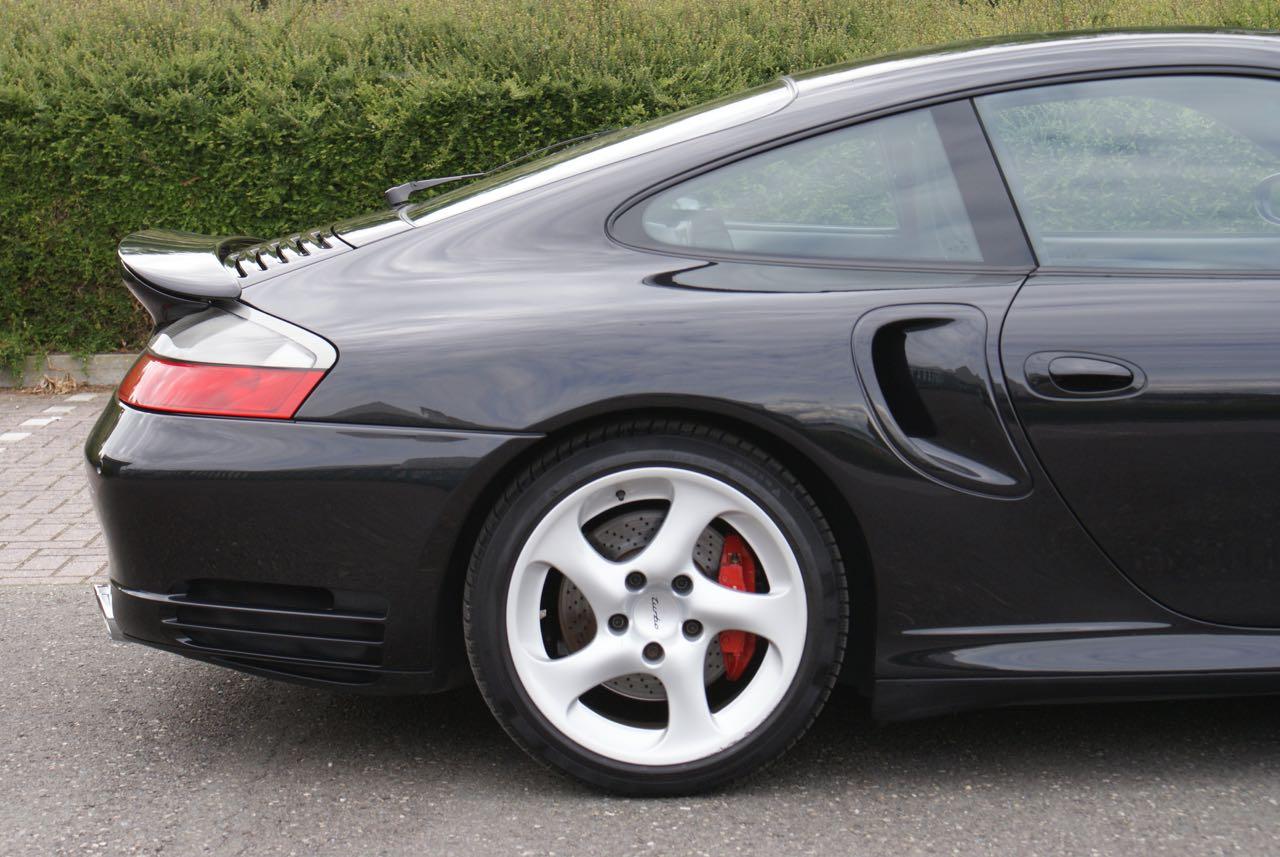 http://911youngtimer.be/wp-content/uploads/2016/05/911-youngtimer-Porsche-996-turbo-WLS-X50-Basalt-black-black-natural-leather-10-van-15.jpg