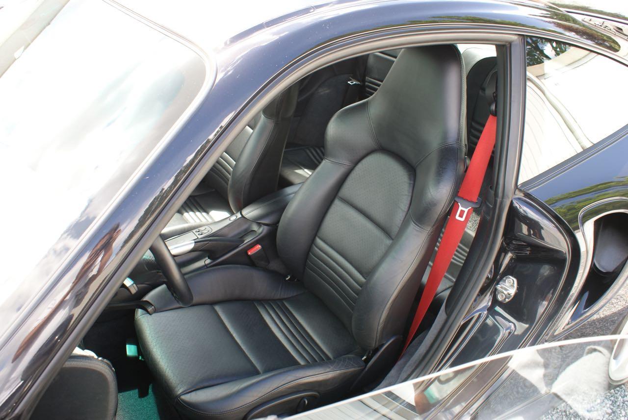 http://911youngtimer.be/wp-content/uploads/2016/05/911-youngtimer-Porsche-996-turbo-WLS-X50-Basalt-black-black-natural-leather-13-van-15.jpg