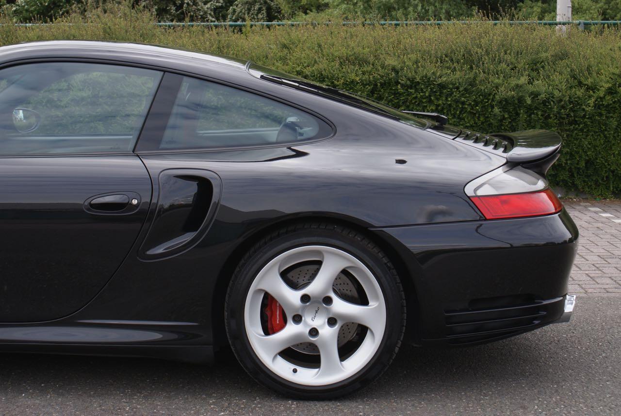 http://911youngtimer.be/wp-content/uploads/2016/05/911-youngtimer-Porsche-996-turbo-WLS-X50-Basalt-black-black-natural-leather-2-van-15.jpg