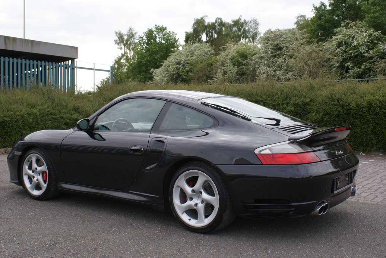 http://911youngtimer.be/wp-content/uploads/2016/05/911-youngtimer-Porsche-996-turbo-WLS-X50-Basalt-black-black-natural-leather-3-van-15.jpg