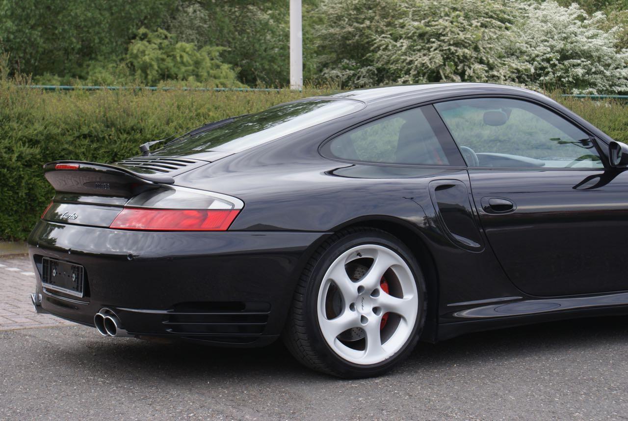 http://911youngtimer.be/wp-content/uploads/2016/05/911-youngtimer-Porsche-996-turbo-WLS-X50-Basalt-black-black-natural-leather-8-van-15.jpg