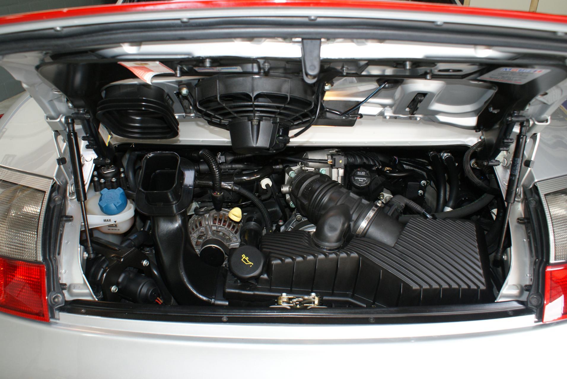 911 youngtimer Porsche 996 Carrera 4S Arctic Silver 2002 - 15 van 15