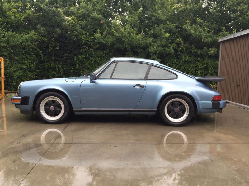 911 youngtimer - Porsche 911 Carrera - 1986 - Irisblue (1)
