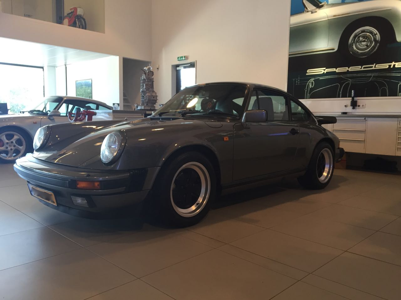 911 youngtimer - Porsche 911 Carrera G50 - 1987 - Felsengruen 3