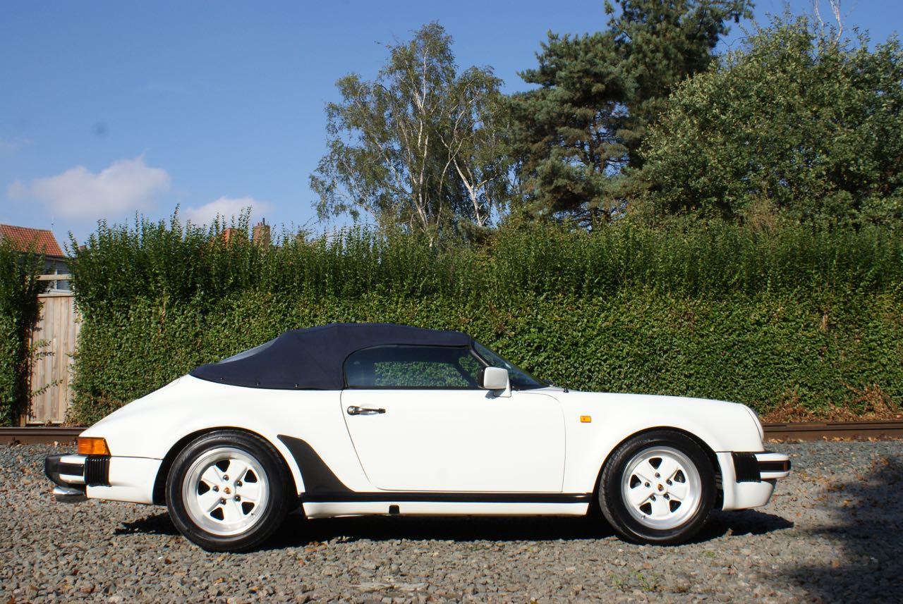 911-youngtimer-911-Speedster-1989-Grand-Prix-white-13-of-20