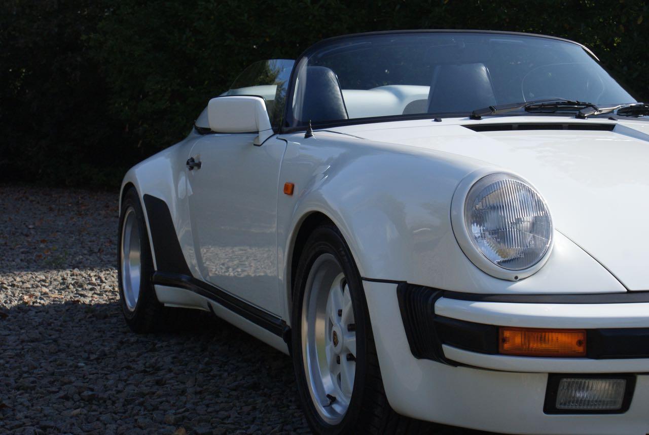 911-youngtimer-911-Speedster-1989-Grand-Prix-white-2-of-20
