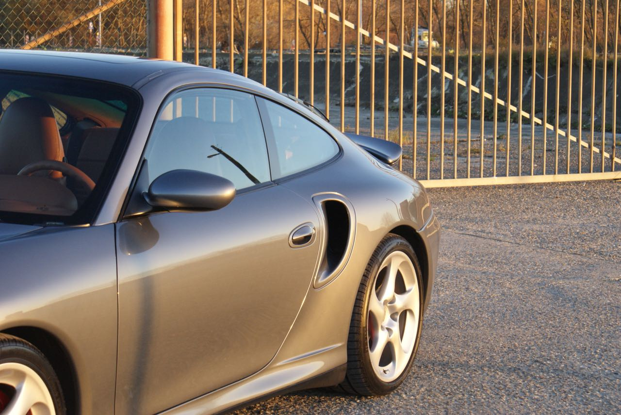 911-youngtimer-porsche-996-turbo-x50-wls-seal-grey-2003-2-of-15