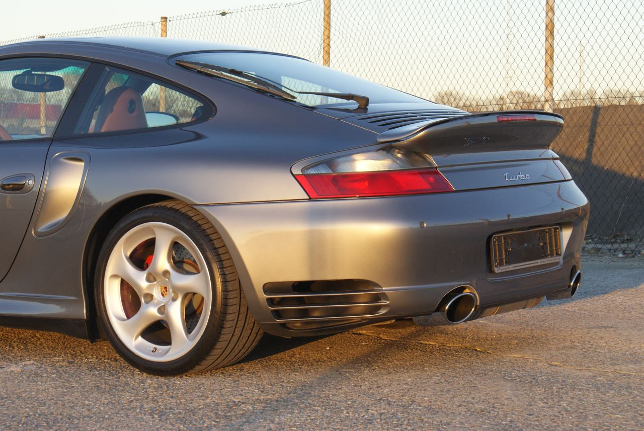 911-youngtimer-porsche-996-turbo-x50-wls-seal-grey-2003-8-of-15