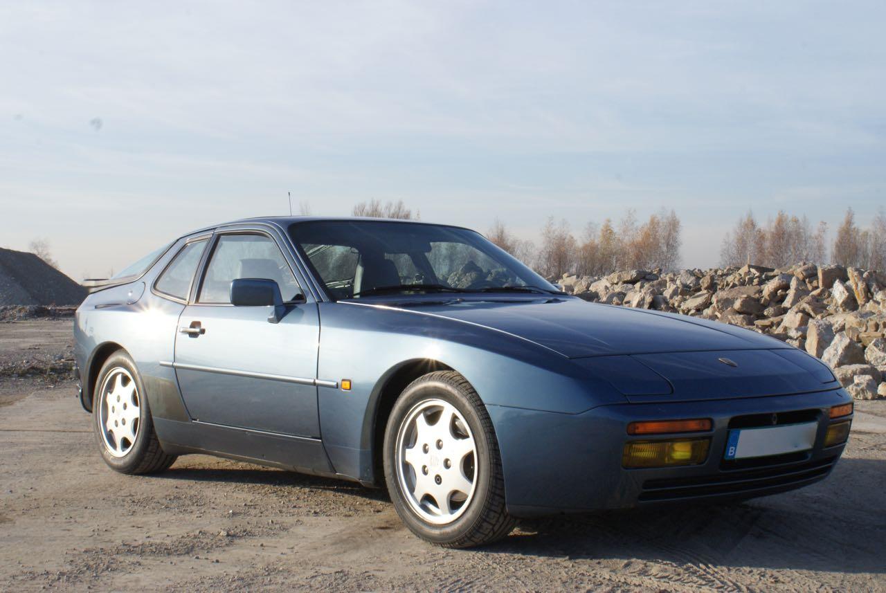 911-youngtimer-porsche-944-s2-dove-blue-metallic-1990-10-of-15