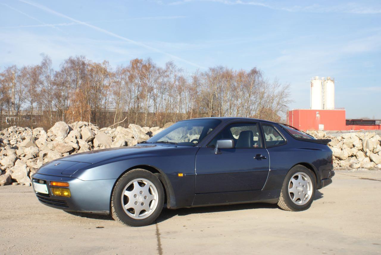 911-youngtimer-porsche-944-s2-dove-blue-metallic-1990-12-of-15
