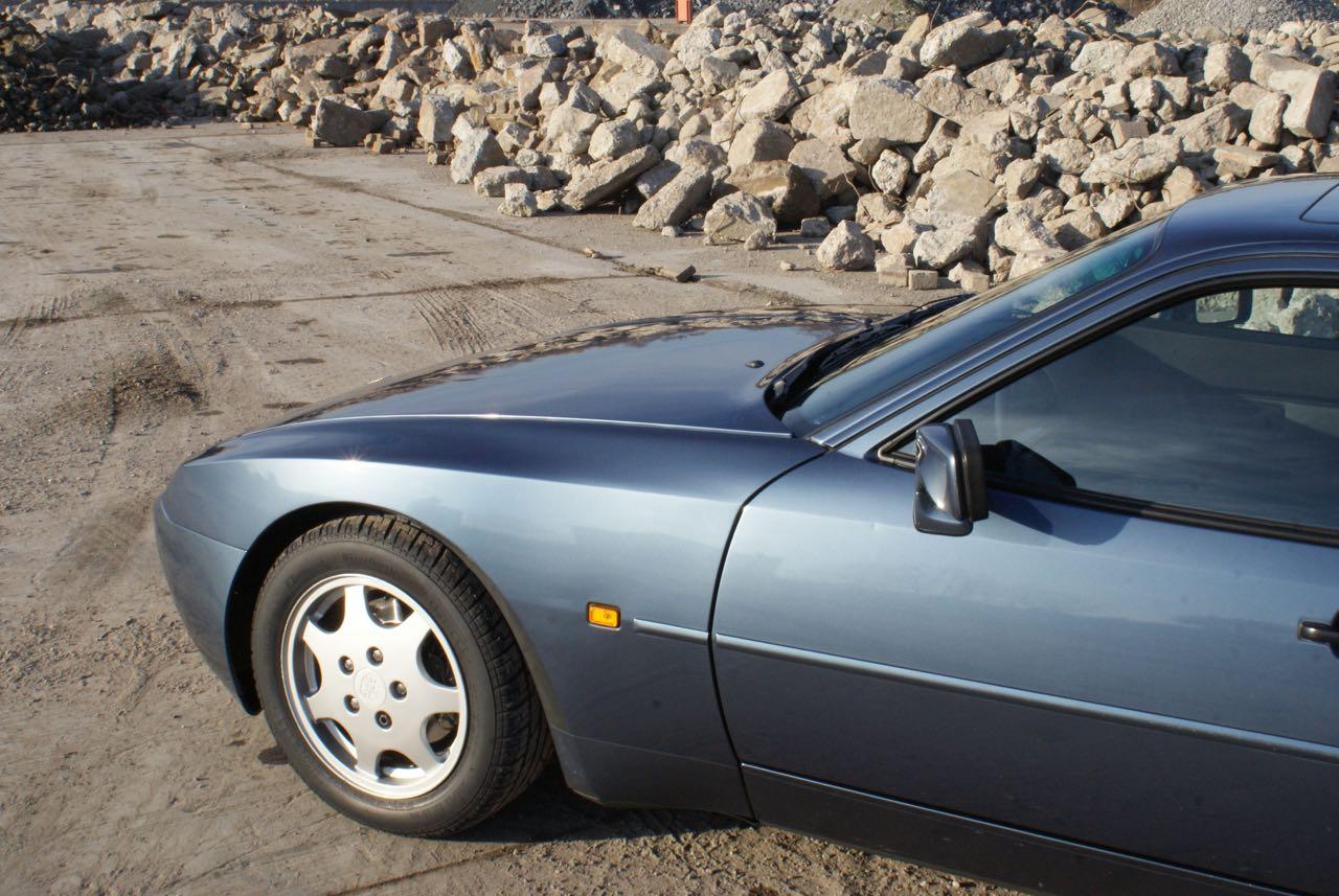 911-youngtimer-porsche-944-s2-dove-blue-metallic-1990-2-of-15