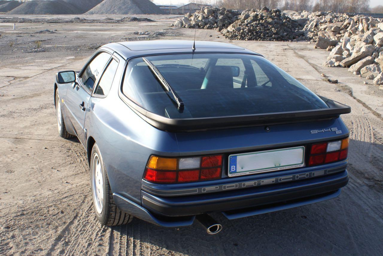 911-youngtimer-porsche-944-s2-dove-blue-metallic-1990-4-of-15