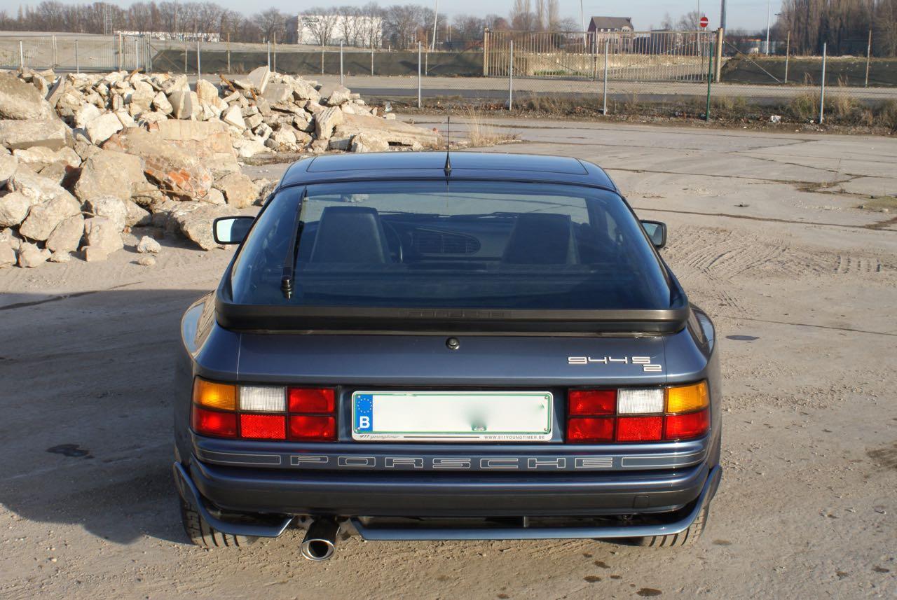 911-youngtimer-porsche-944-s2-dove-blue-metallic-1990-5-of-15